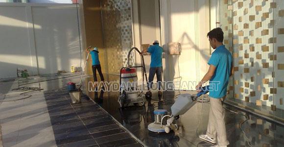 Máy chà sàn đơn thiết kế hiện đại, nhỏ gọn, đa chức năng,...rất được ưa chuộng sử dụng hiện nay
