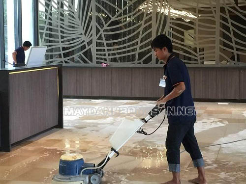 Thiết bị chà sàn đơn là dụng cụ làm sạch đơn giản