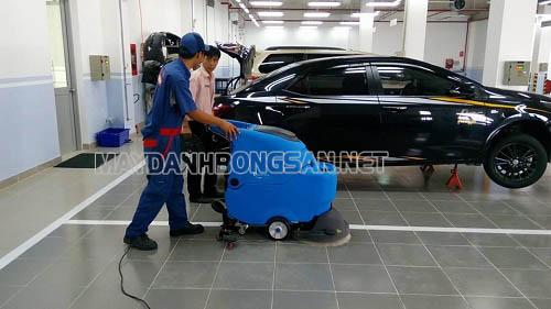 Máy chà sàn Clean Maid TT50E làm sạch sàn trong phạm vi rộng