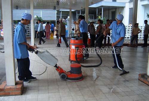 Máy chà sàn có thể bị dừng đột ngột khi đang hoạt động