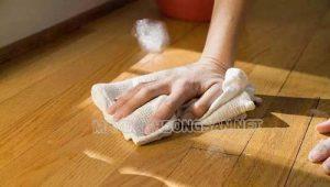 bí quyết lau sàn gỗ sạch bóng đúng cách tại nhà