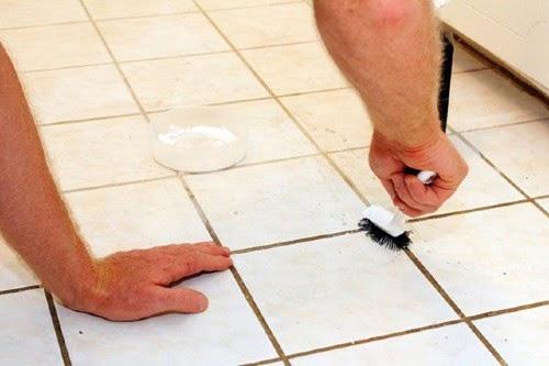 Cách tẩy vết rỉ sét trên sàn nhà