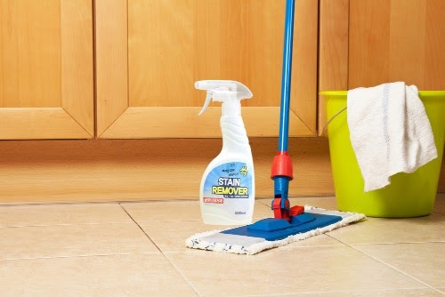 Mẹo lau sàn nhà sạch bóng