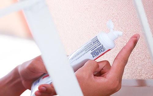 cách làm sạch kính bị ố lâu ngày