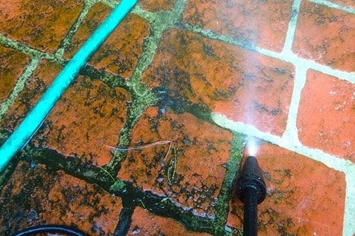 Cách làm sạch sàn gạch tàu hiệu quả