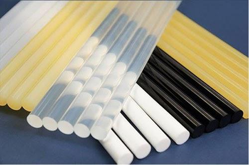 Cách tẩy keo silicon trên quần áo, kính